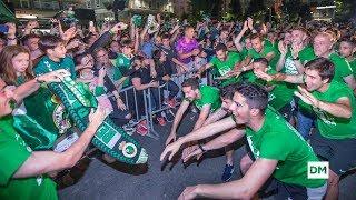 Apoteósico Recibimiento De La Afición Al Racing En Santander Tras El Ascenso