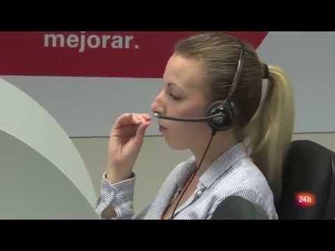 Reportaje RTVE: Unas 100 mil personas trabajan de teleoperador en España. La mayoría son mujeres, tienen contrato parcial y un sueldo que ronda los 700 euros.