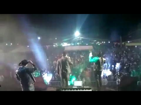Mariano e Adriano ex João mineiro e Mariano _ show em Buenópolis MG