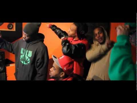 "Reese, Mojo, And Paperchaser ""Commas"" (In Studio Perfomance)"