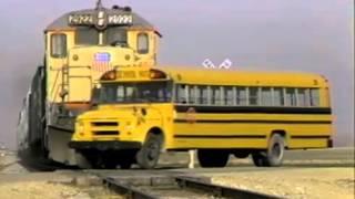Поезд Школьный Автобус Авария Замедленный Повтор