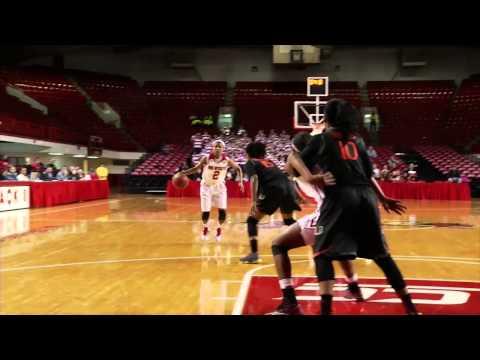 Women's Basketball beats Miami on last-second 3