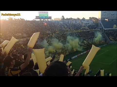 """""""Recibimiento de Peñarol vs Defensor - Clausura 2017"""" Barra: Barra Amsterdam • Club: Peñarol"""