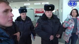 Дилер Аврора в СПб кинул клиентов. Штурм автосалонов.