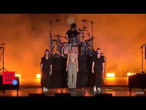 Dua Lipa performs Don't Start Now in Mumbai, India 2019   Live  