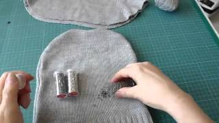 Шапка и манишка из свитера своими руками.mp4