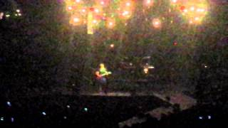 "ERIC CHURCH intro into ""Dark Side"""