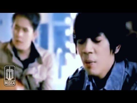 D'MASIV - Beri Kami Yang Terbaik (Official Music Video)