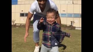 赤ちゃんとパパの追いかけっこ子育て育児癒し人気動画