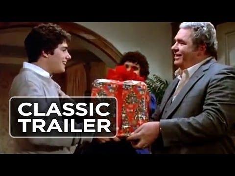 Video trailer för Gremlins (1984) Official Trailer #1 - Horror Comedy