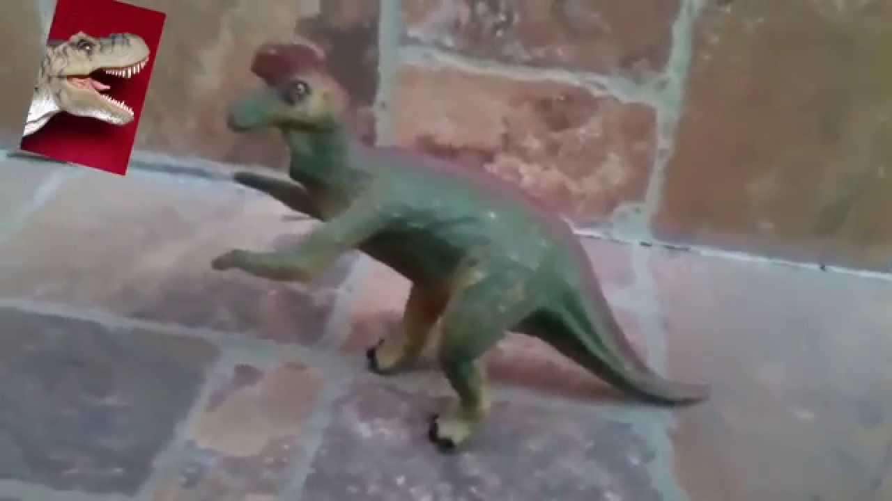 El dinosaurio cobarde y el hámster