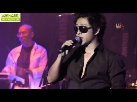 Anh ấy là một trong những ca sĩ live đỉnh nhất Vpop. Ai còn nhớ bài Hit này không ? Chắc chắn bạn đã từng thích !!