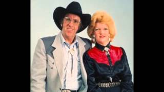 COUNTRY! - JERRY & DEBBIE HATTON: He's A Good Ole Boy (1994)