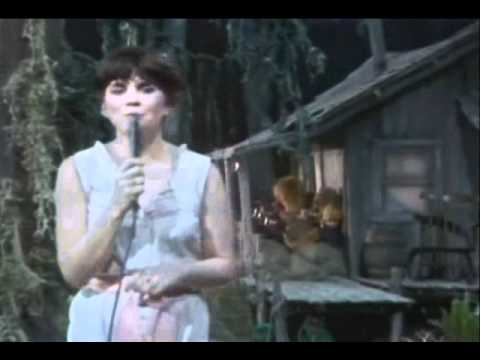 Linda Ronstadt - Blue  Bayou (@ The Muppets Show)