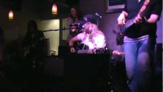 """Sherry Seager performing """"Rompin Stompin Blues"""" by The Judds"""