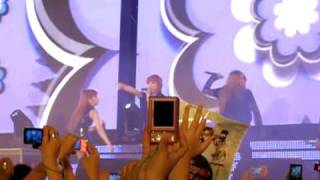 2NE1 in Thailand - Don't Stop the music