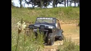 preview picture of video 'Jeep Rock Crawling by Jeep Village'