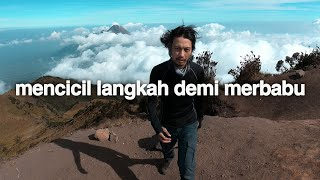 Berjalan Perlahan (Gunung Merbabu, Jawa Tengah)