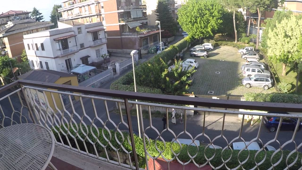 Rooms for rent in 2-bedroom apartment with balcony and parking - 16th dstrict