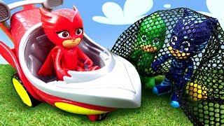 Герои в масках на эстафете. Машины истории для детей.