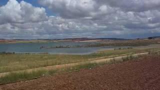 preview picture of video 'valverde de jucar puente caserna pantano de Alarcon junio 2010.mp4'