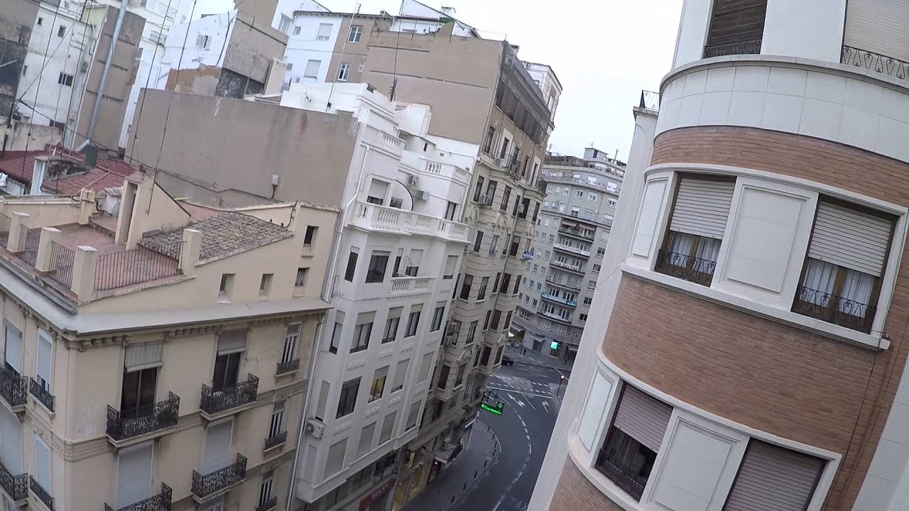 Furnished room with balcony in shared apartment, Ciutat Vella