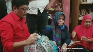 Kunjungi Kedai Kreasi Omak, Hasto dan Djarot Buktikan Dana Desa Berdayakan Perempuan