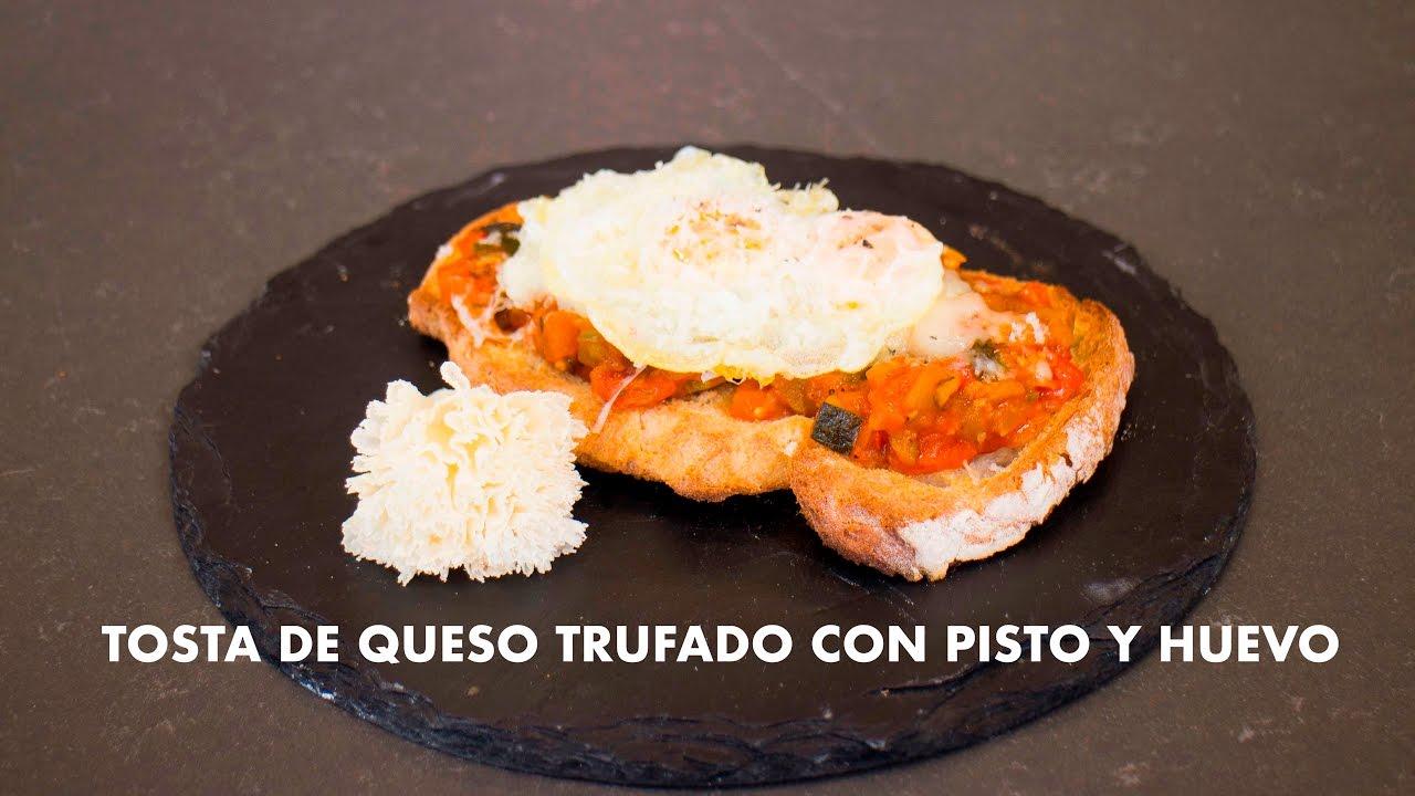 TOSTA DE PISTO Y QUESO. RECETA CON LOS AMIGOS GRABADO CON GO PRO