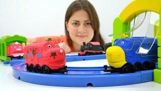 Обзор игрушек - паровозики Чагинтон - Железная дорога и мойка