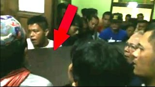 RIP <b>Achmad Kurniawan</b> / AK 47 Suasana Mengharukan Kiper Arema AK47 Meninggal Karena Serangan Jantung