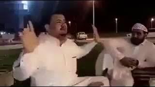 بالفيديو.. الشخص الذي ادعى ضربه مقيماً مصرياً طالب برواتبه يوضح حقيقة المقطع ويؤكد: مجرد سواليف