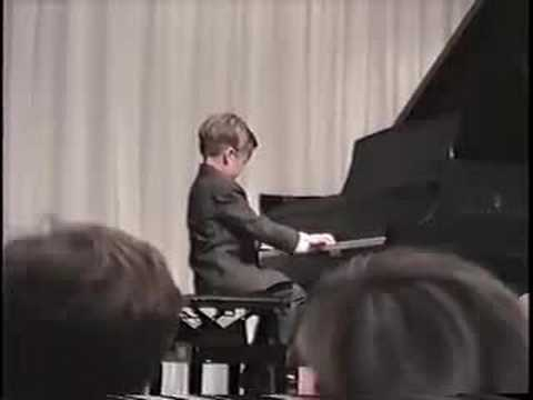 Here is one of these students at  4 years old, one of his first recitals :-)