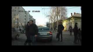 В Калуге водитель сбил маму с ребенком