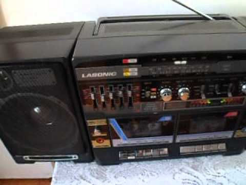 ANTIGUO RADIO GRABADORA AM/FM/CASSETTE/LASONIC 80s.