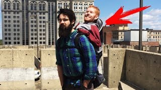 Мужчина объездил пол мира в рюкзаке!  История покорила интернет!