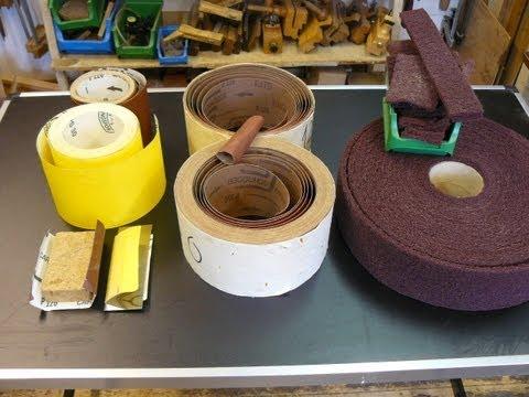 Holz schleifen mit Schleifpapier, Schleifgewebe, Schleifvlies , Schleifmittel