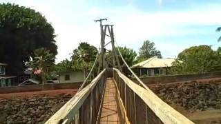 preview picture of video 'Hanapepe Swinging Bridge'