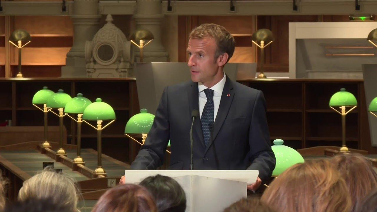 """Emmanuel Macron: """"Notre identité ne s'est jamais bâtie sur le rétrécissement"""""""