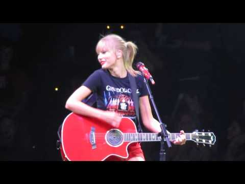 """""""Our Song"""" - Taylor Swift (Surprise B-Stage Acoustic) Performance in Nashville 9/19/13"""