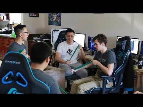 Meet The Medical Professionals Keeping Esports Pros Healthy