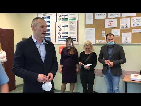 Wideo1: Otwarcie pracowni nauki pierwszej pomocy w SP12 w Lesznie