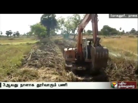 Puthiya-Thalaimurais-Nammal-Mudiyum-team-desilts-canal-in-Nagapattinam