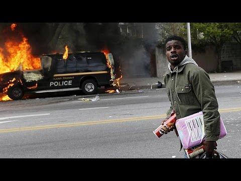 """أحداث عنف في مدينة """"بالتيمور"""" الأمريكية بعد مقتل شاب أسود"""