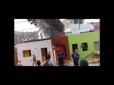 Incêndio em Belém de Maria-pe por causa de uma explosão de um celular