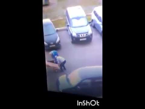 """В Оренбурге медики """"скорой"""" волокли пациента за шиворот, мужчина умер в больнице"""