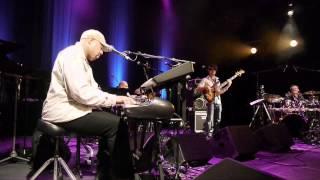 "Frank McComb & The CIV Soul Band : ""Love, love, love"" (II)"