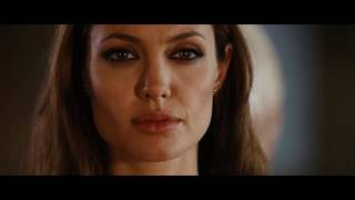 Angelina Jolie in Wanted 2008 | I am your target (movie scene 5|9)