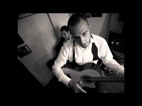 İstanbul12 Orkestrası - Let The Sunshine In klip izle