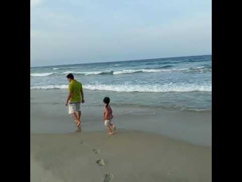 Susu đi biển bắt đù đi cùng ba Hà!