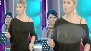 Songül Karlı Siyah Transparan Kıyafetiyle Kuvvetli Işık Altında